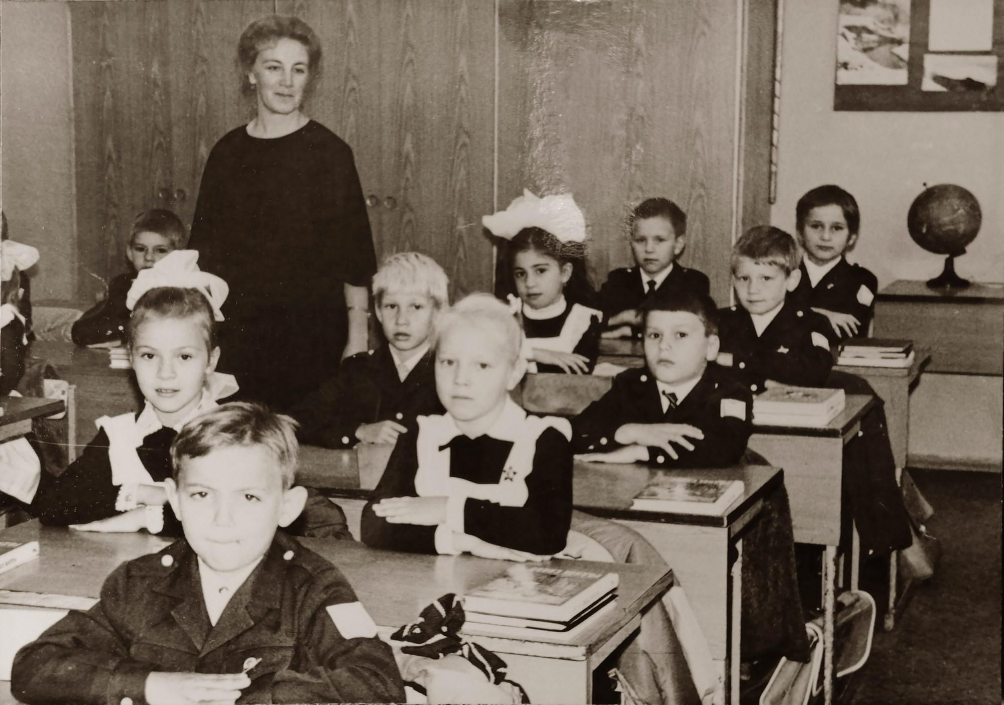 1г класс 816 школы, 89 год, классный руководитель Любовь Александровна1
