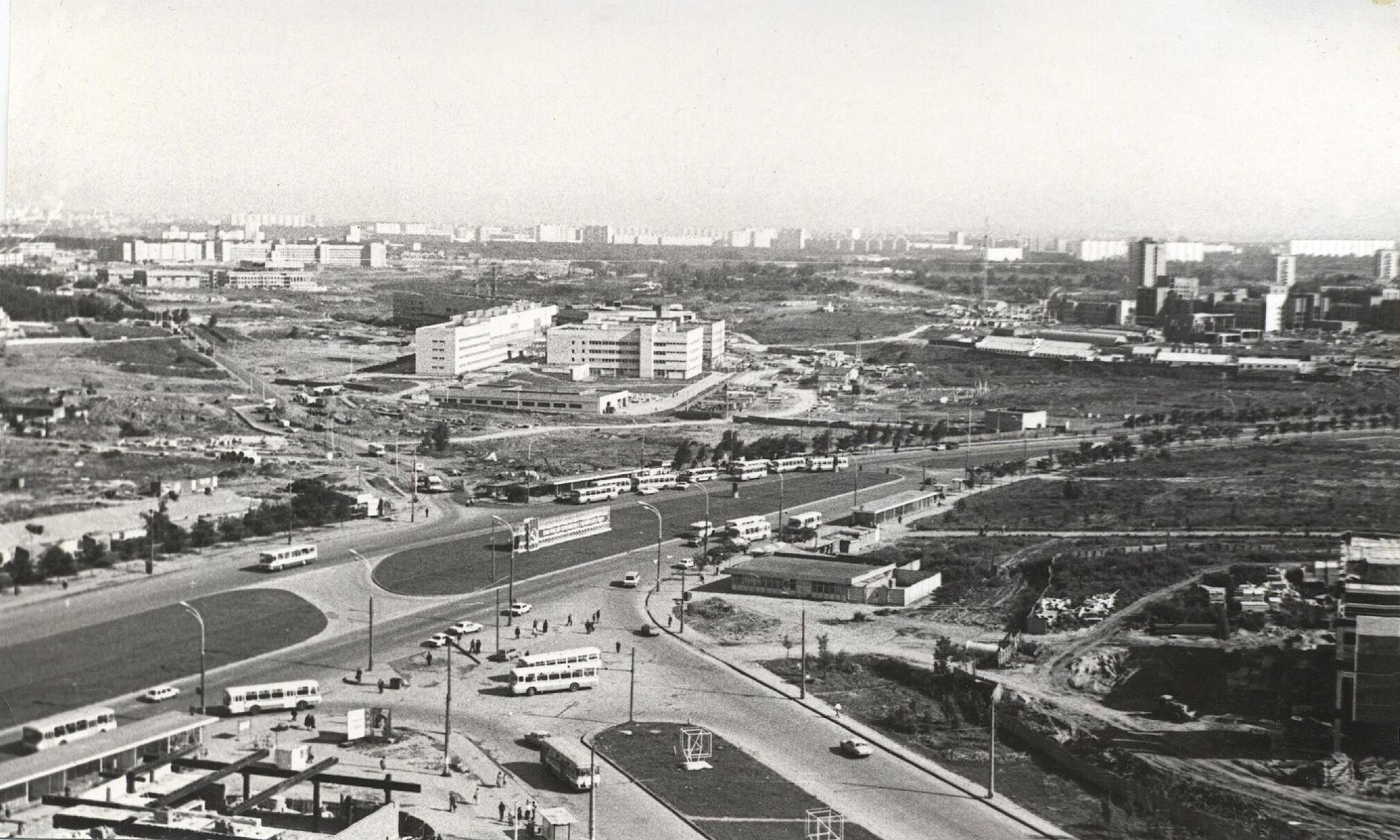 1978-79 Вид на север от м. Юго-Западная