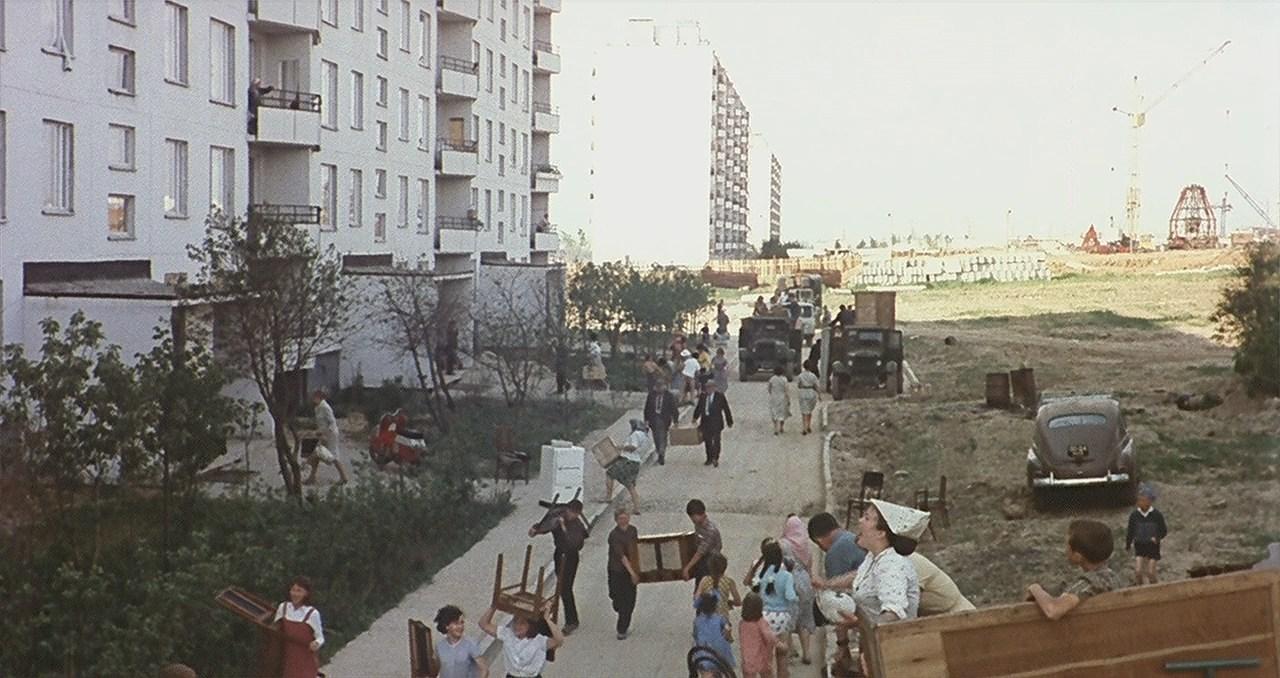 1969 Тропарево. Кадр из фильма Подсолнухи
