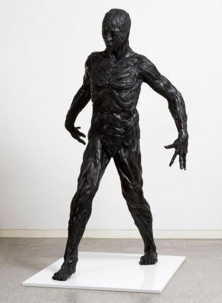 skulptury_iz_pokryshek_Koreya_07