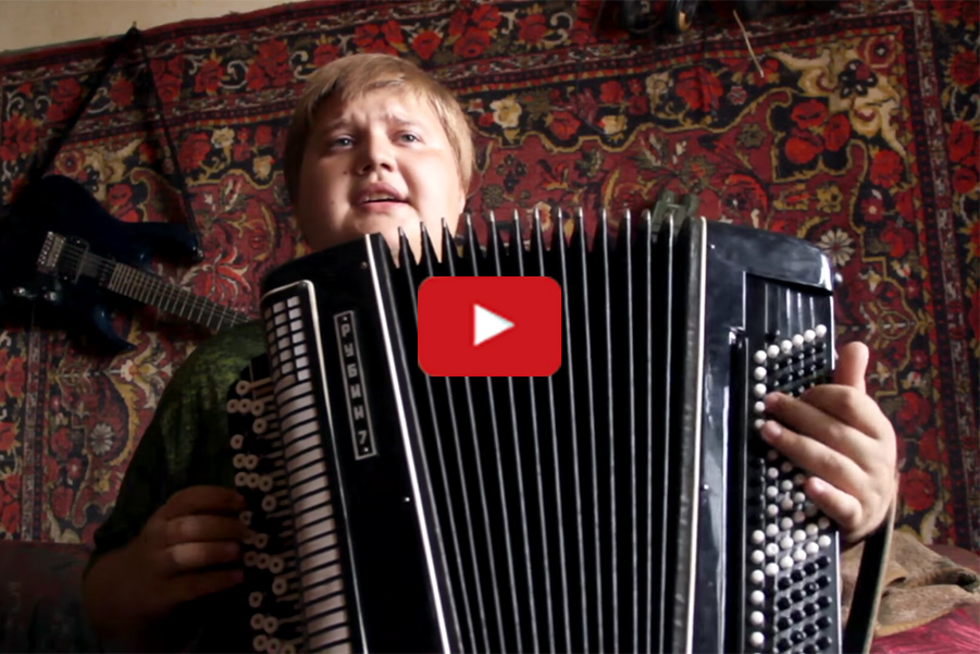 The blogger with the accordion blew up the Internet