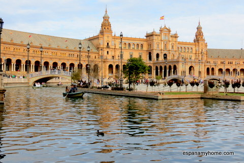Павильон Испании на площади Испании