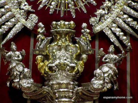 Серебро. Алтарь из серебра. Собор в Севилье