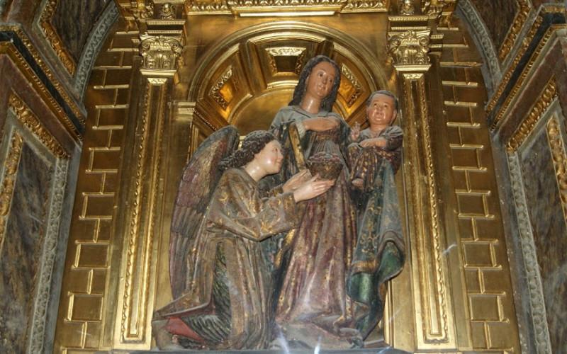Virgen de Madroño, escultor Lorenzo Mercadante de Bretaña, siglo XV.