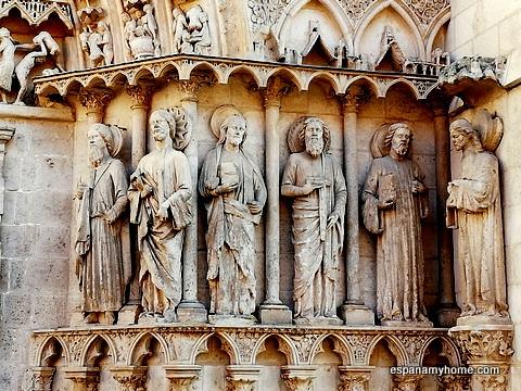 Пуэрта-де-ла-Коронерия собора Бургоса. Дверь апостолов.