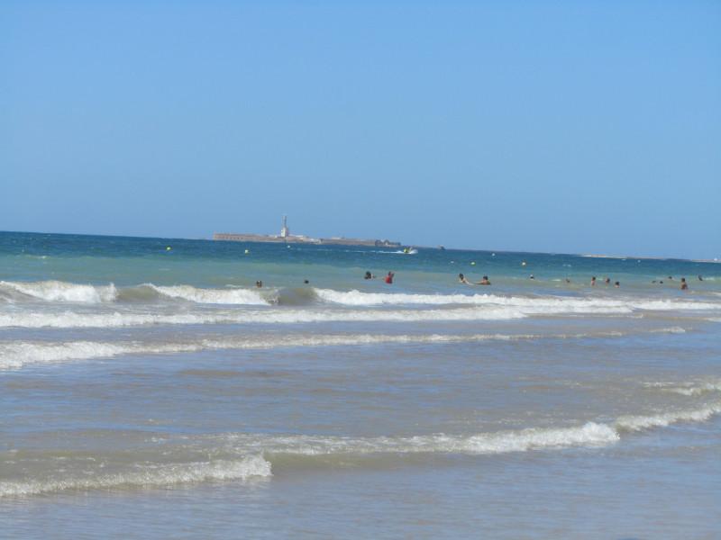 Кадис. Пляж на выезде из города недалеко от отеля playa Victoria