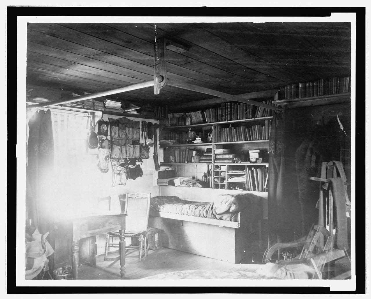 3c36208uЖилые помещения на озере Форт Конгер, 1881.jpg