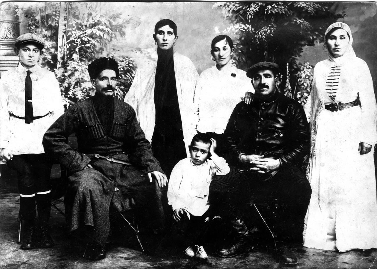 Моисей и Борис(Бабпин) на Кавказе  декабрь1930.jpg