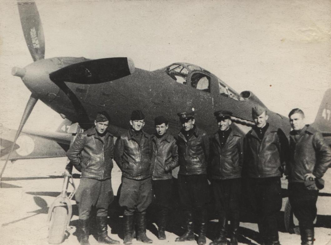 Летчики 2-го перегоночного авиаполка. 1944 год, Сеймчан.jpg