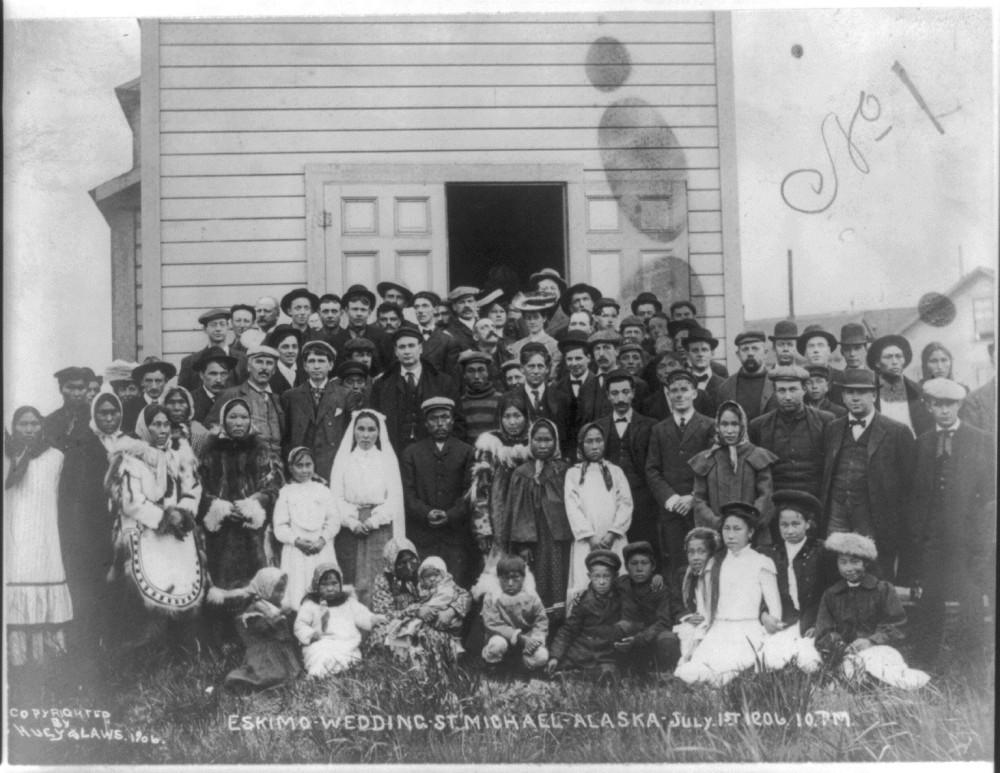 Эскимосская свадьба, Св. Михаил, Аляска. 1 июля 1906 года, 10 часов вечера.jpg
