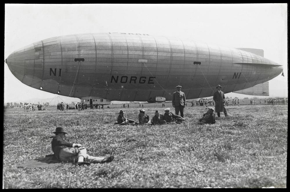 _Norge__antakelig_på_Ciampino-flyplassen,_Italia_25марта1926(12114605634).jpg
