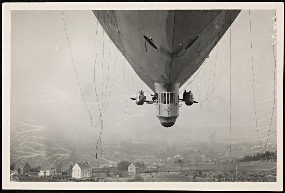 Luftskipet__Norge__over_Ekeberg,_14._april_1926.jpg