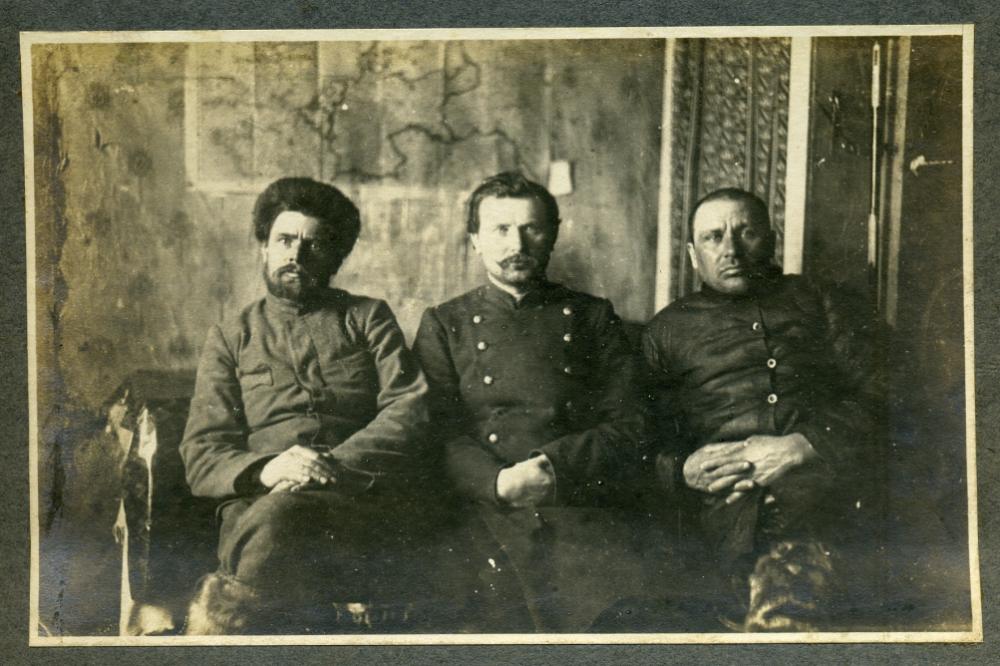Фёдор справа