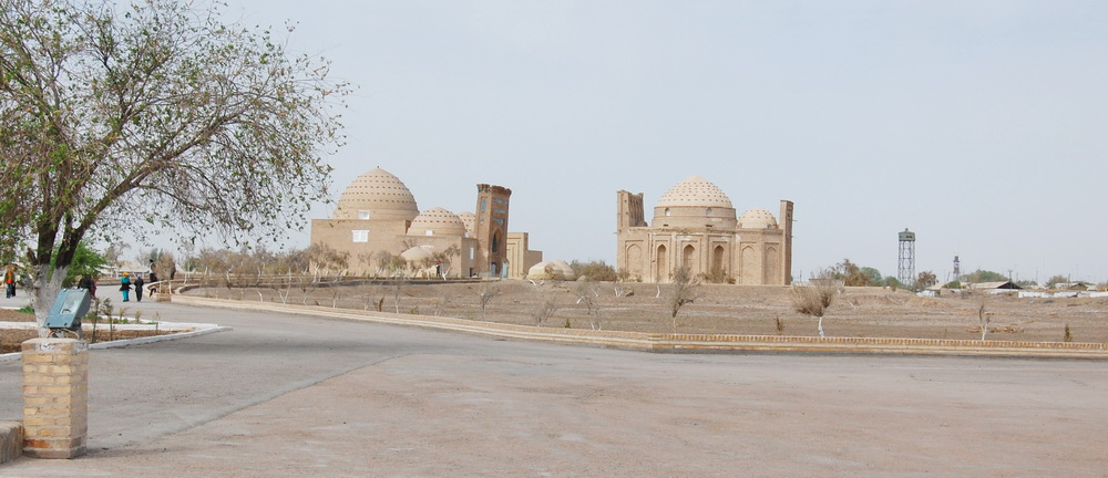 два мавзолея