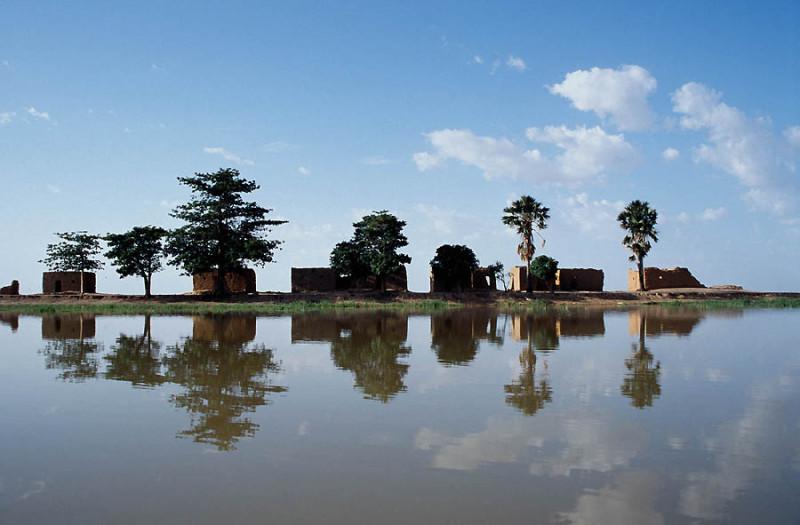 Niger_River_Center_Island.jpg
