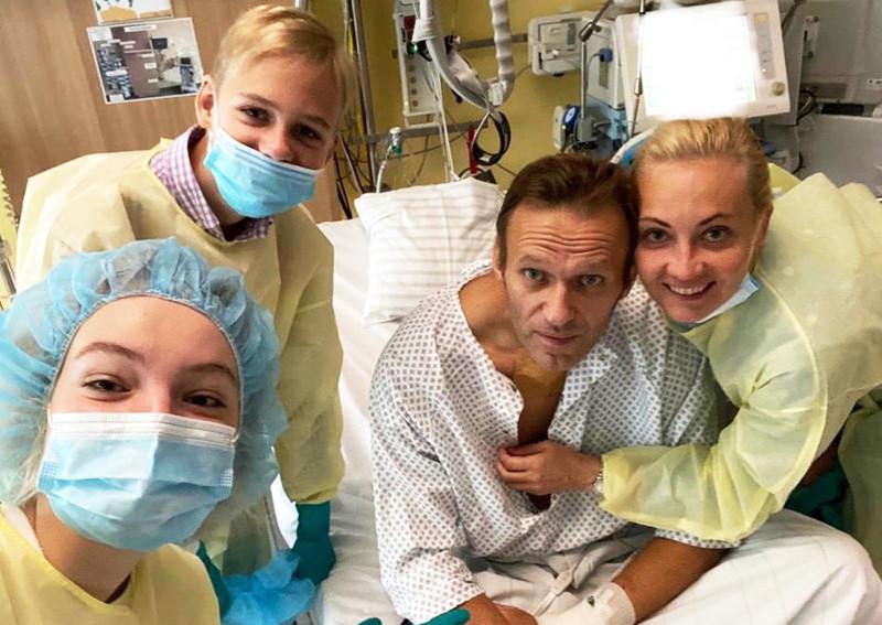 Почему я верю в отравление Навального и не верю в коронавирус