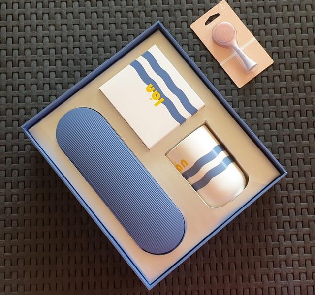 Зубная щётка, массажёр и стерилизатор для зубных щеток t1