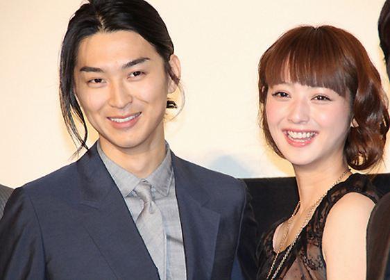 Photo of Shota Matsuda & his friend actress  Sasaki Nozomi - Afro Tanaka