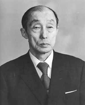 Кэндзи Томики