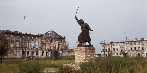 Послевоенный вид памятника Яну Килинскому