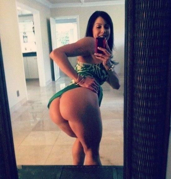 Фото девушки с большими жопами