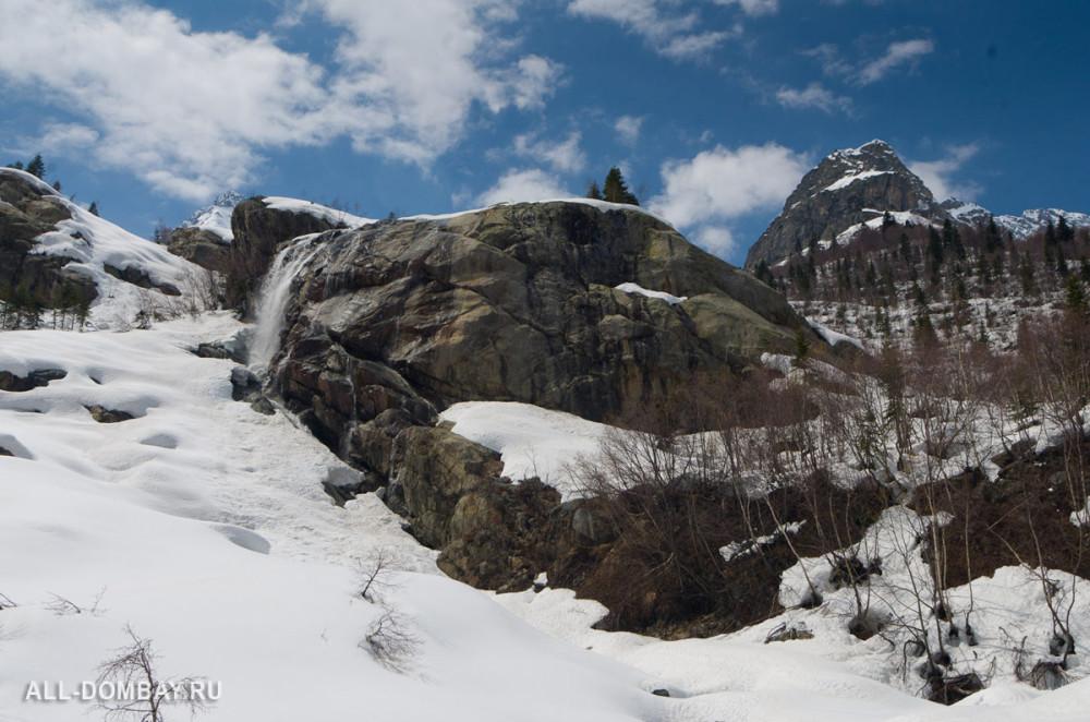 Водопад Алибек, Домбай, 25 апреля