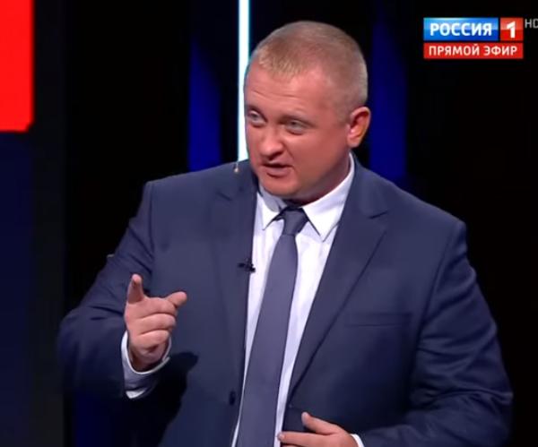 белорусский националист, думает что ставит москалеу на место