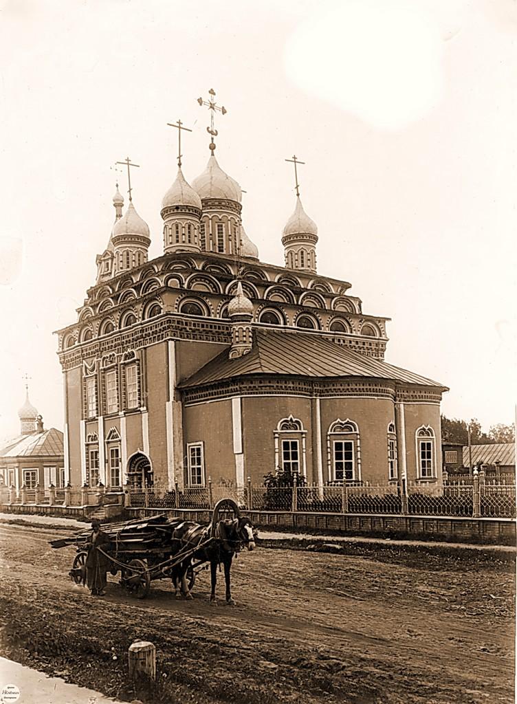 Кострома. Троицкий собор возле Богоявленского монастыря