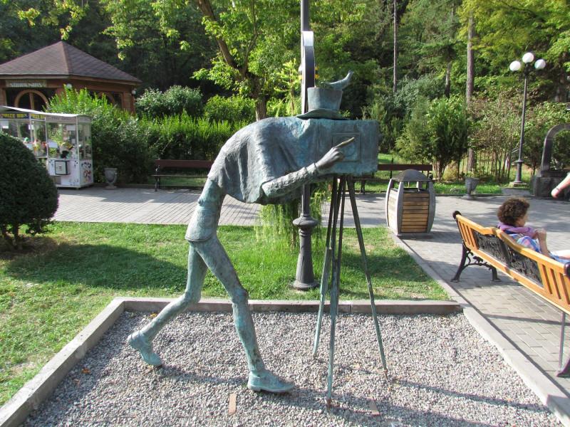Borjomi - Park - Photographer statue