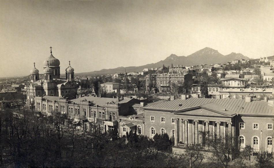 80 1900е Царская улица. Спасский собор, епархиальный дом и казенная ресторация