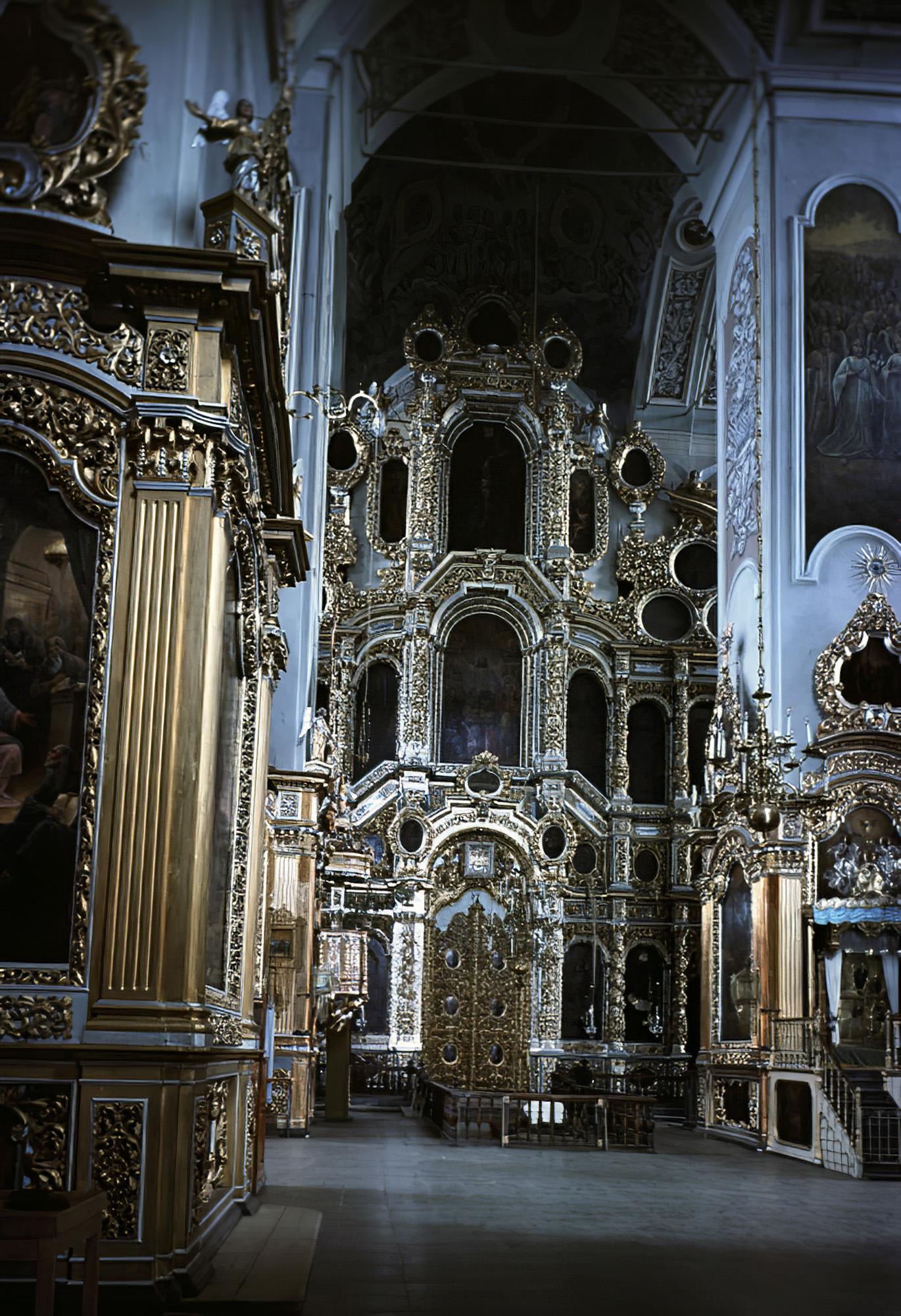 1966 Вид на иконостас Успенского собора в Смоленске. Грановский, РИА_cmpk