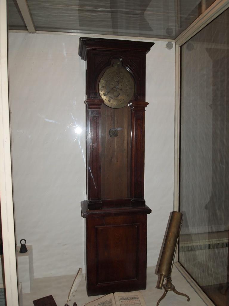 Часы Т.И.Волоскова в экспозиции отдела металлов тверского музея