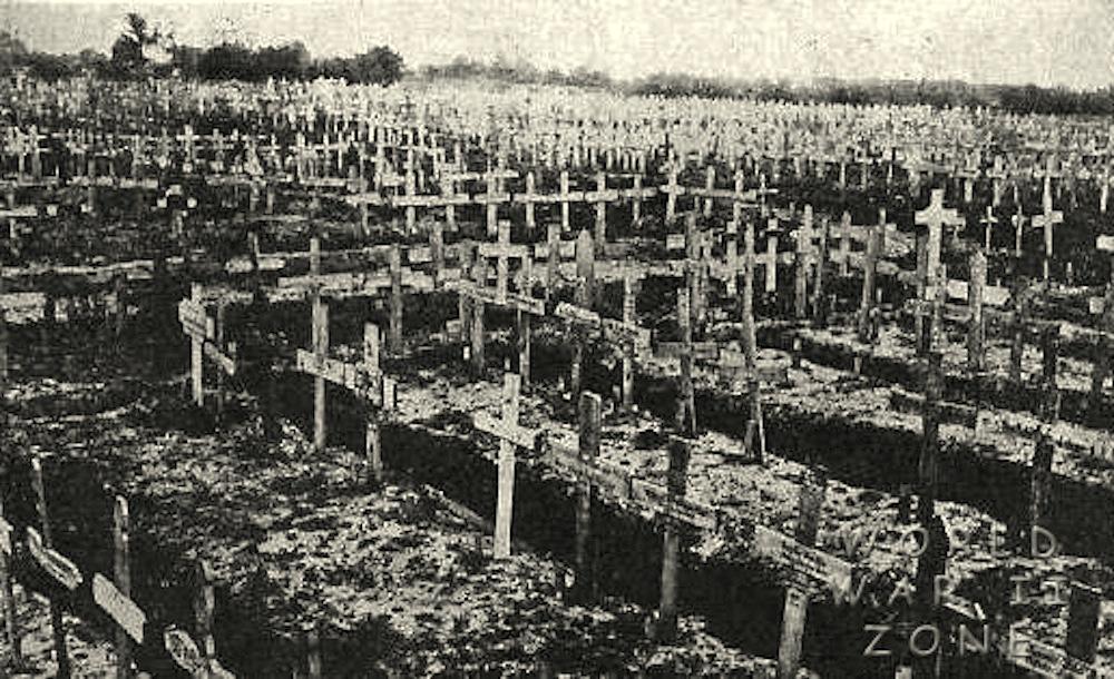 German_cemetery_at_Bethune-001
