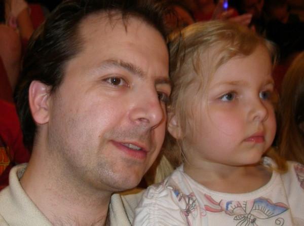 Zdenek a Anicka v divadle2