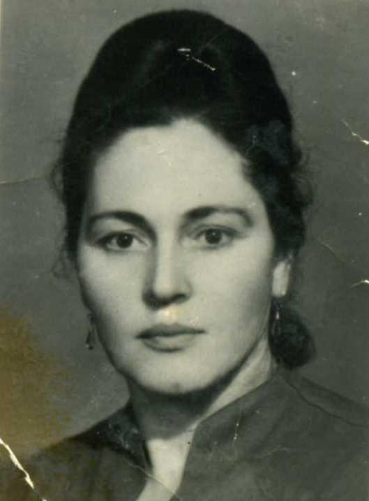 Фаруз Саламгиреевна Церекова, двоюродная сестра улана Дзамболата- младшего. Автор  рассказов-воспоминаний о фамилии1