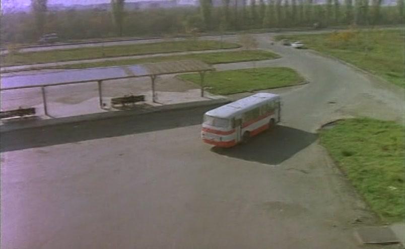 Vzbesivshijsja.avtobus.1991.XviD.DVDRip[(004971)16-55-23]