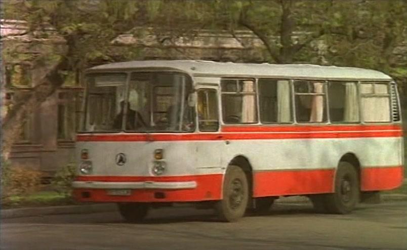 Vzbesivshijsja.avtobus.1991.XviD.DVDRip[(008195)17-05-54]