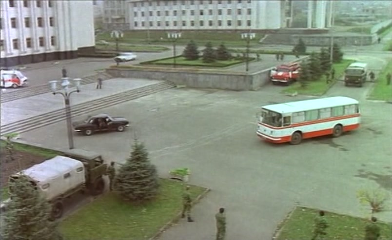 Vzbesivshijsja.avtobus.1991.XviD.DVDRip[(025110)17-23-09]