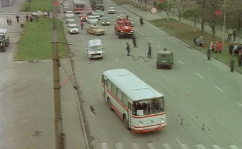 Vzbesivshijsja.avtobus.1991.XviD.DVDRip[(036672)17-32-26]