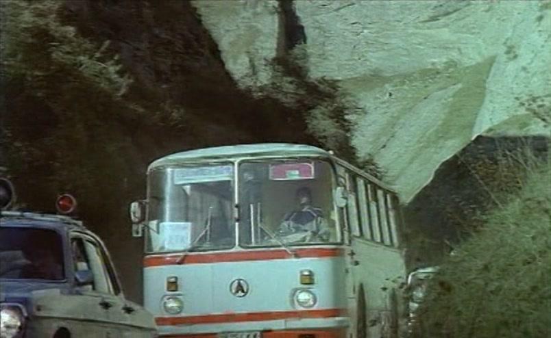 Vzbesivshijsja.avtobus.1991.XviD.DVDRip[(052746)18-00-18]