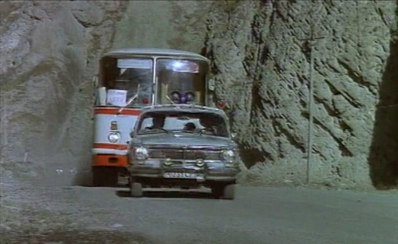 Vzbesivshijsja.avtobus.1991.XviD.DVDRip[(054678)18-03-45]