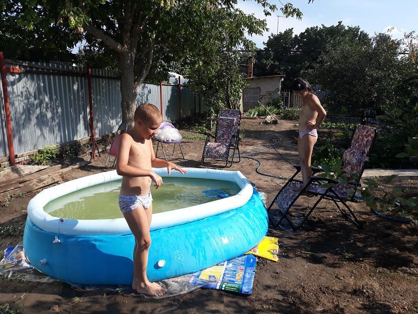 Старый бассейн маловат.JPG