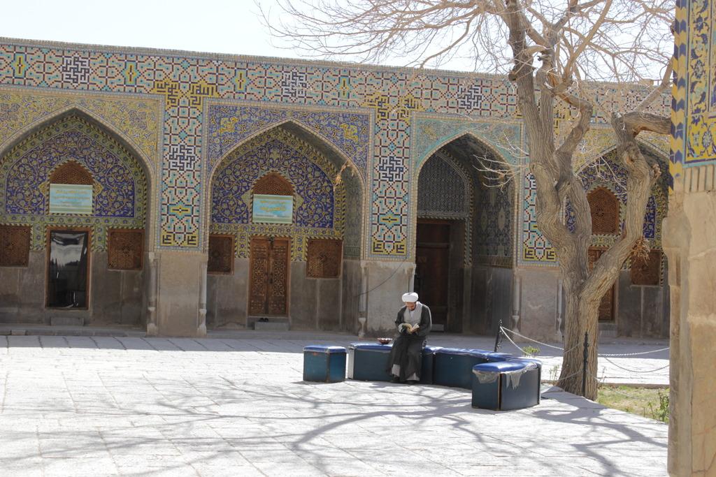 Пол-Ирана в одиночку на общественном транспорте (отчет завершен)