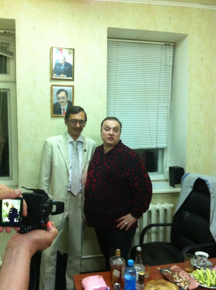 с Андреем Разиным