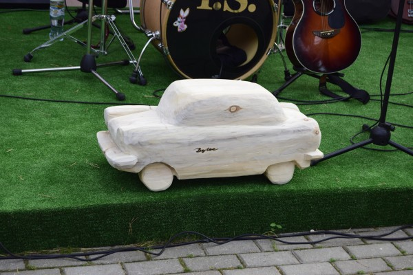 wood-car
