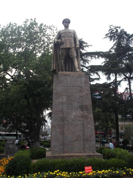 05 Памятник Кемалю