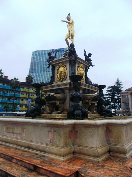 12 фонтан