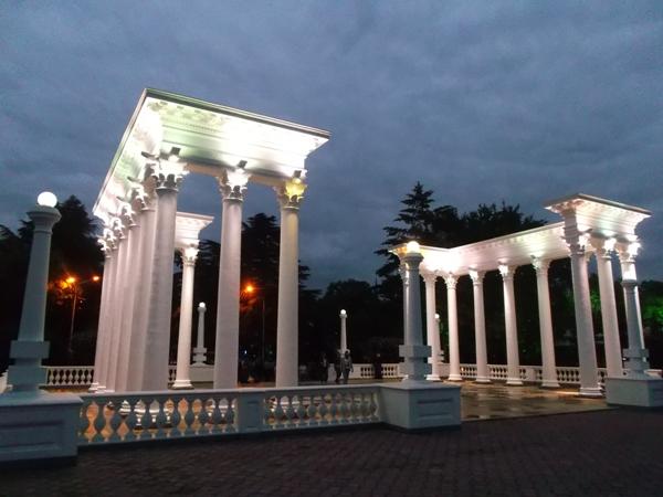 39 колоннада