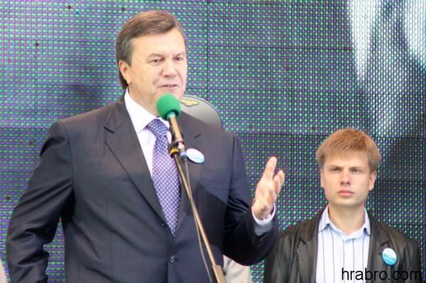 Фото-с-официального-сайта-Алексея-Гончаренко