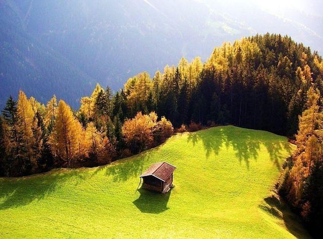 Плато, горы, домик, свет